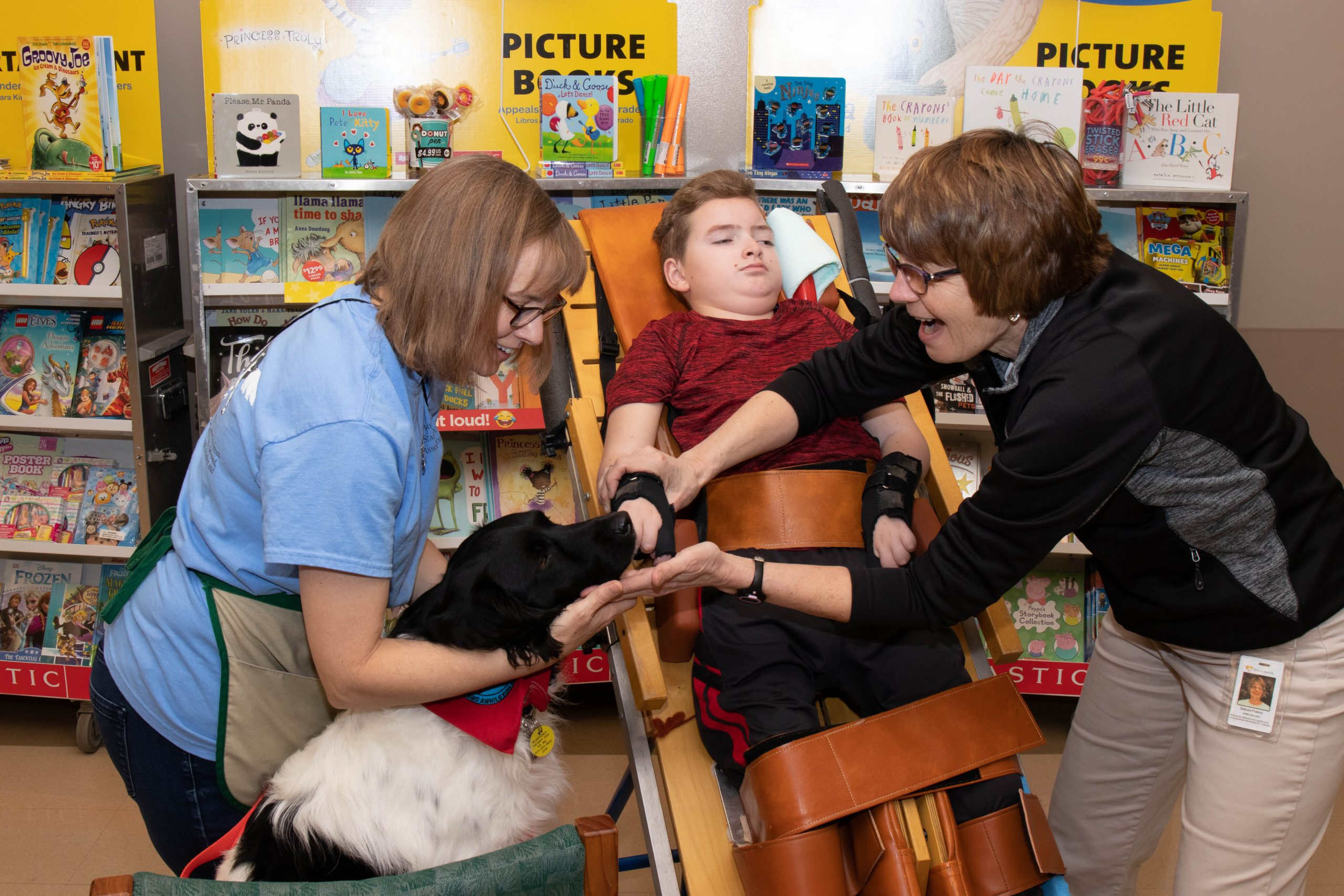 2018 TherapyDog School 5 scaled - Therapy Dog - Take a Look Tuesday