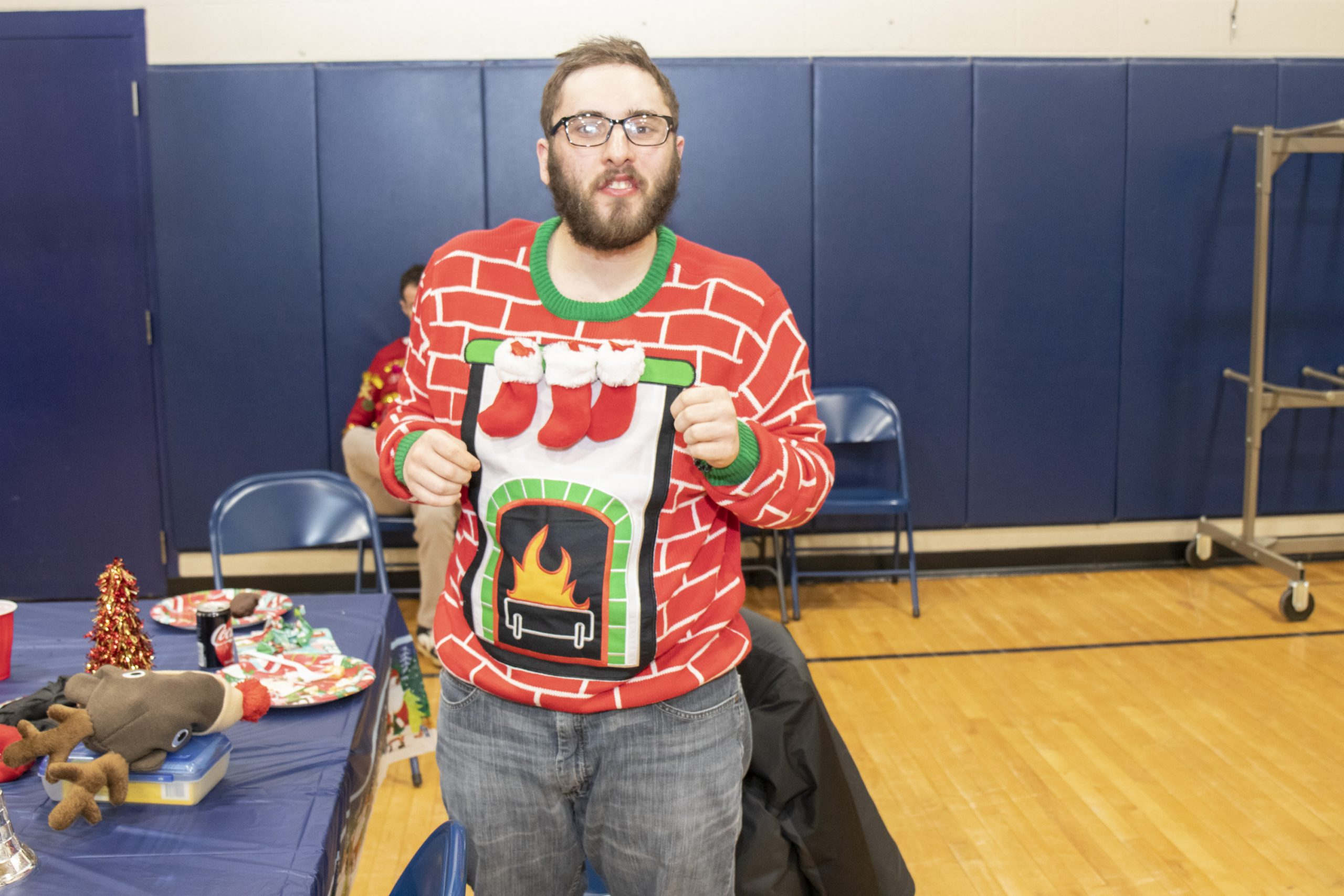 2019-UglySweaterParty-Event_14