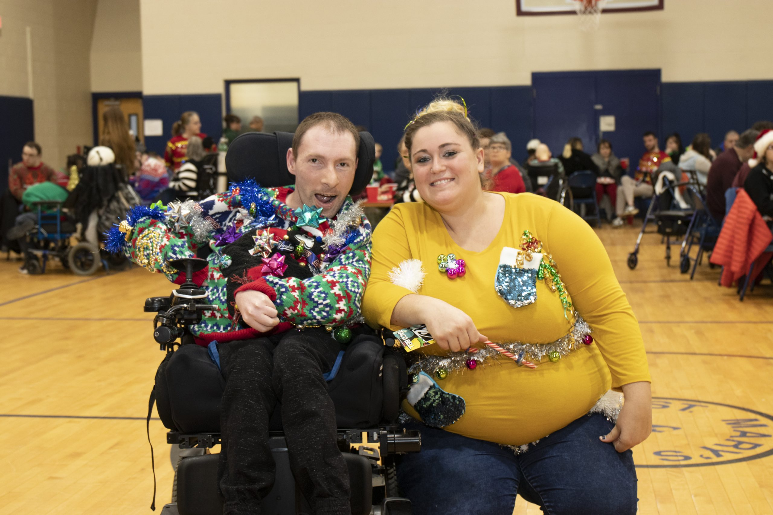 2019-UglySweaterParty-Event_25