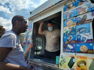 20210628 Ice Cream Man Sunshine Taylor Houses 12 300x225 - 20210628-Ice Cream Man-Sunshine & Taylor Houses (12)