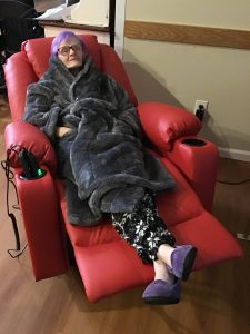 859FFF3C 7BDE 4031 AD58 02F562BC6DD6 jpeg JeURUD3l 225x300 - Patty Gets Comfy - Take A Look Tuesday