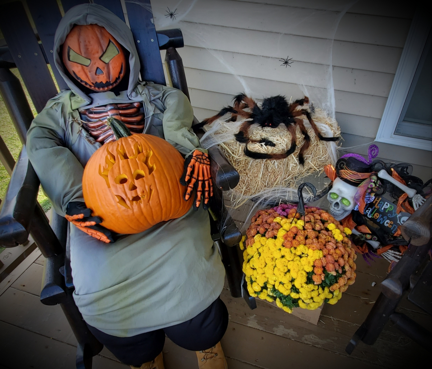 Grandview - 2nd Annual Scarecrow Contest