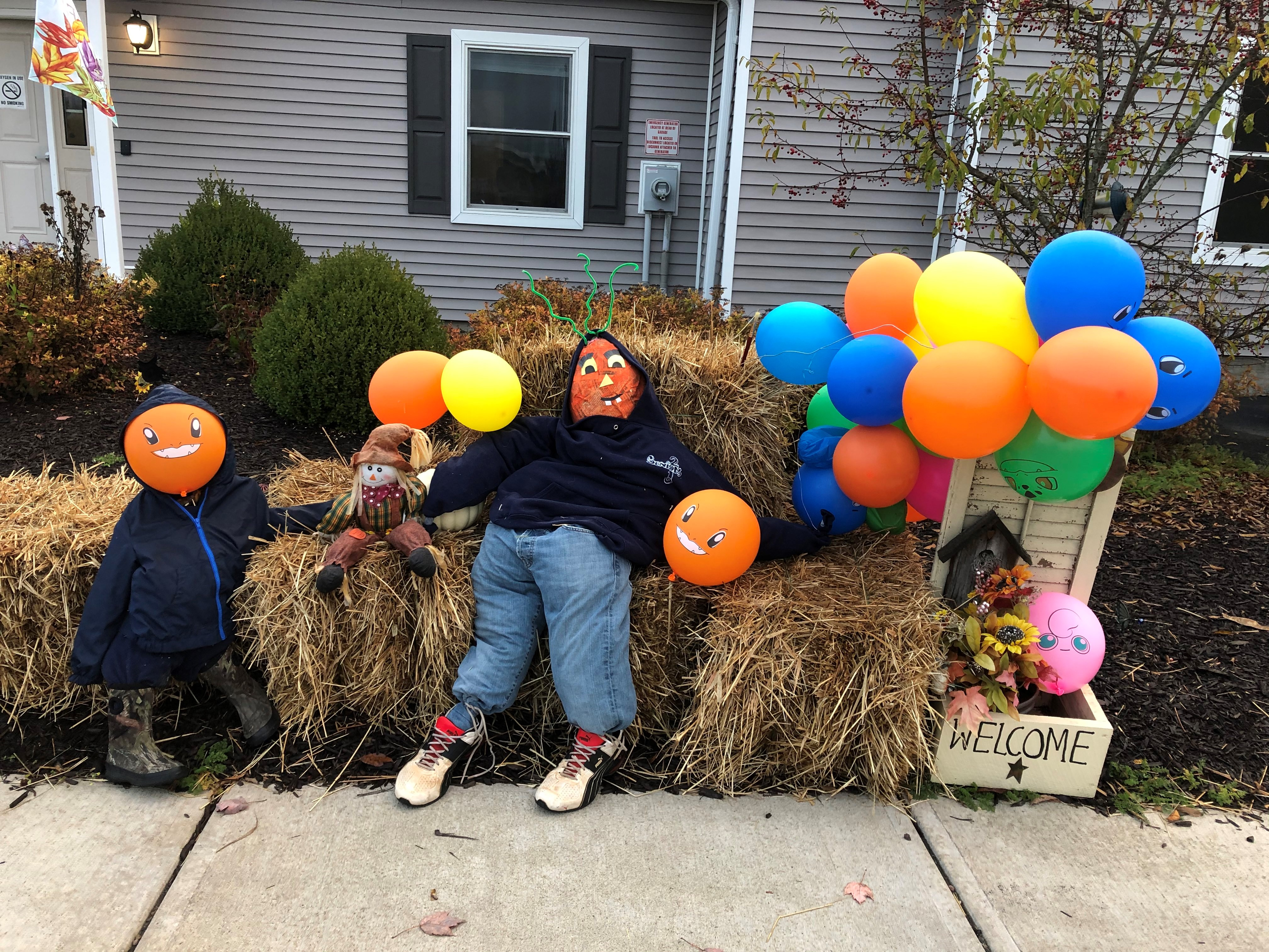 Oxford 3 - 2nd Annual Scarecrow Contest